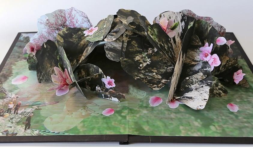 桃花源記 TAO HUA YUAN JI Utopia: Source of the Peach Blossoms